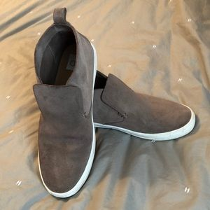 Casual booties with white soles